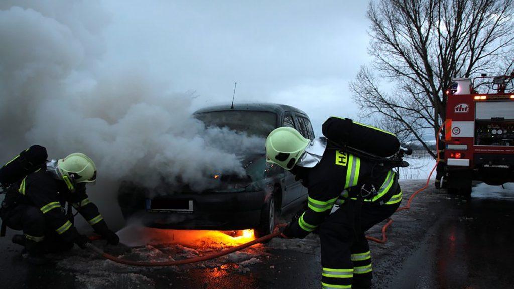 Car crash from improper auto body repair